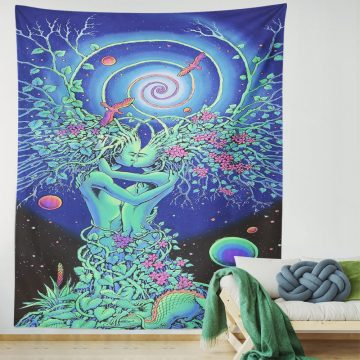 Green Psychedelic Tapestry Lovers Embrace Kiss Trippy