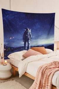 Cool-Space-Tapestry-Astronaut-Wall-Hanging-01