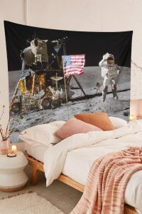 Moon-Landing-Astronaut-Tapestry-On-Lunar-Surface-USA-Flag-01